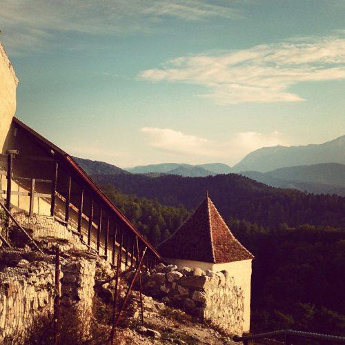 Cetatea Rasnov, Locuri nu departe de Bran, Conacul Torzburg, Fotografie Pure Romania